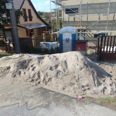 Křemičitý Kaznějovský písek je nejlepší pro výrobu cementových potěrů